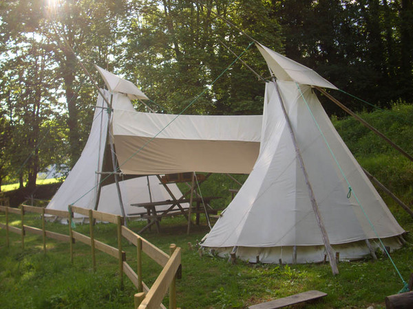 Camping Municipal du Pouech Location Tipi Ariège