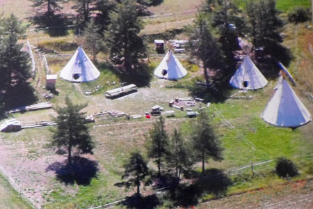 Le Camp d'ANPTA'NIYA Location Tipi Hautes-Alpes